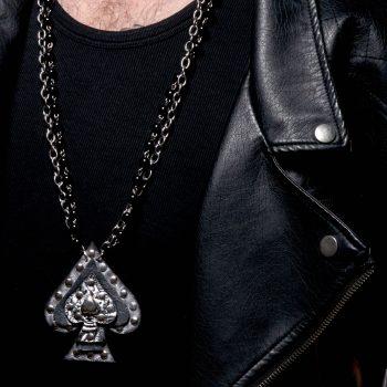 moska usnjena ogrlica grey leather spade evileve