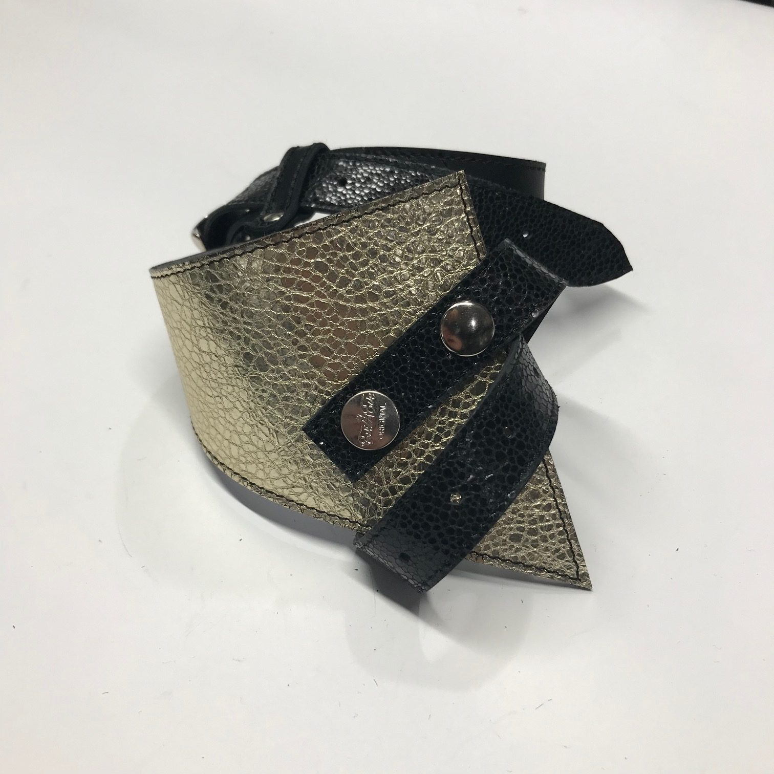unikaten usnjen pas perfect shaper evileve platinum