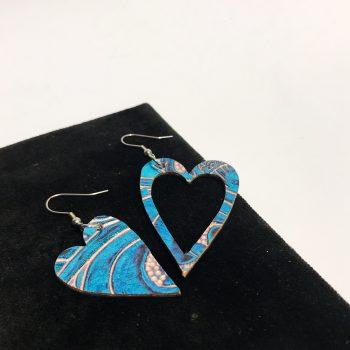 unikatni usnjeni uhani srcki caribbean blue evileve