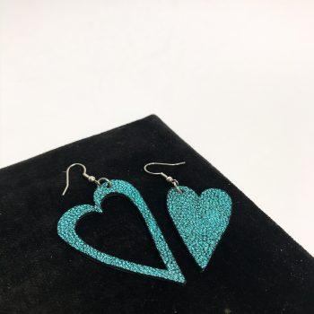 unikatni usnjeni uhani srcki azur glittery blue evileve