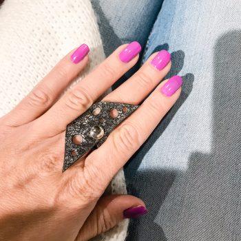 unikaten usnjen prstan Chic Hole EvilEve