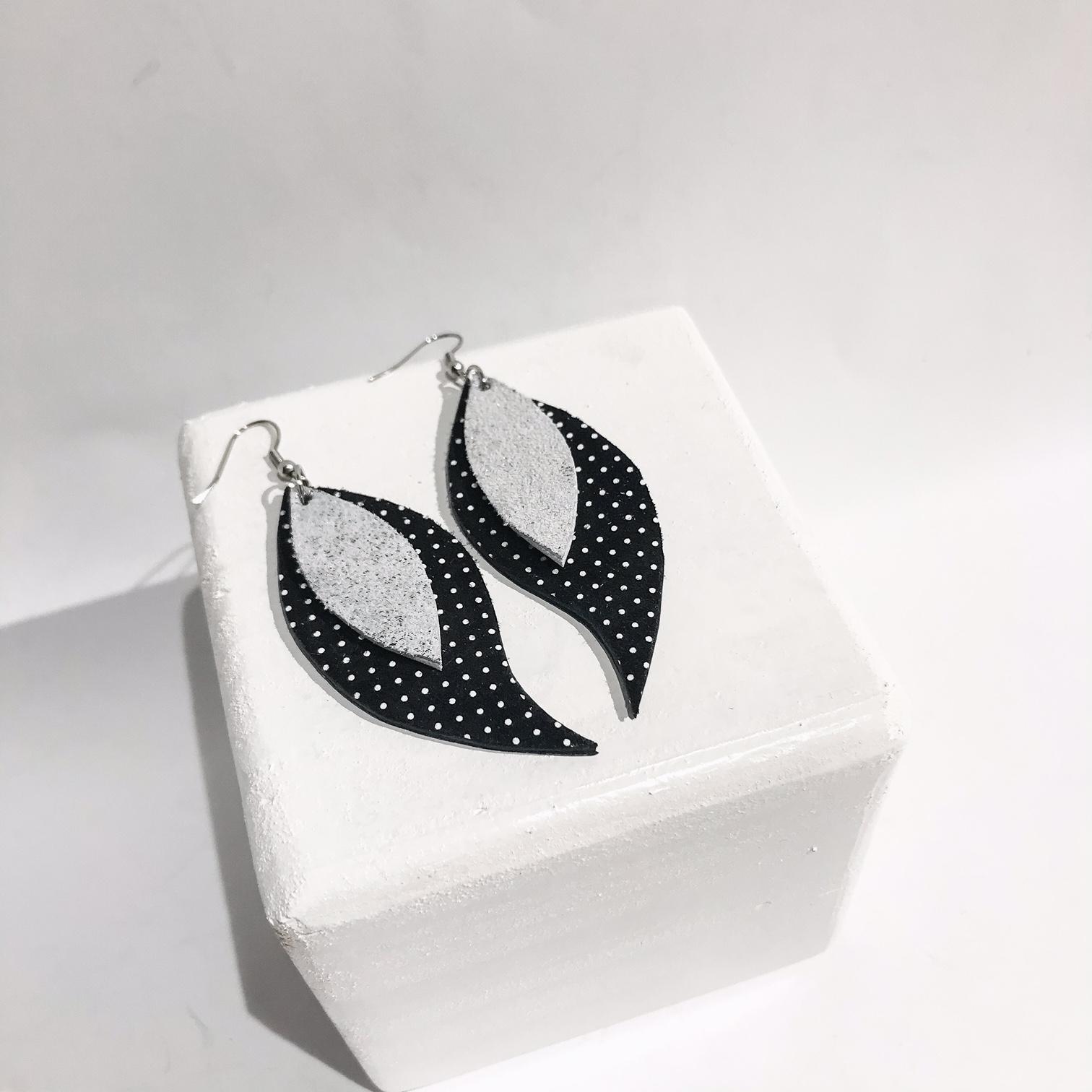 Dots leaves earrings EvilEve