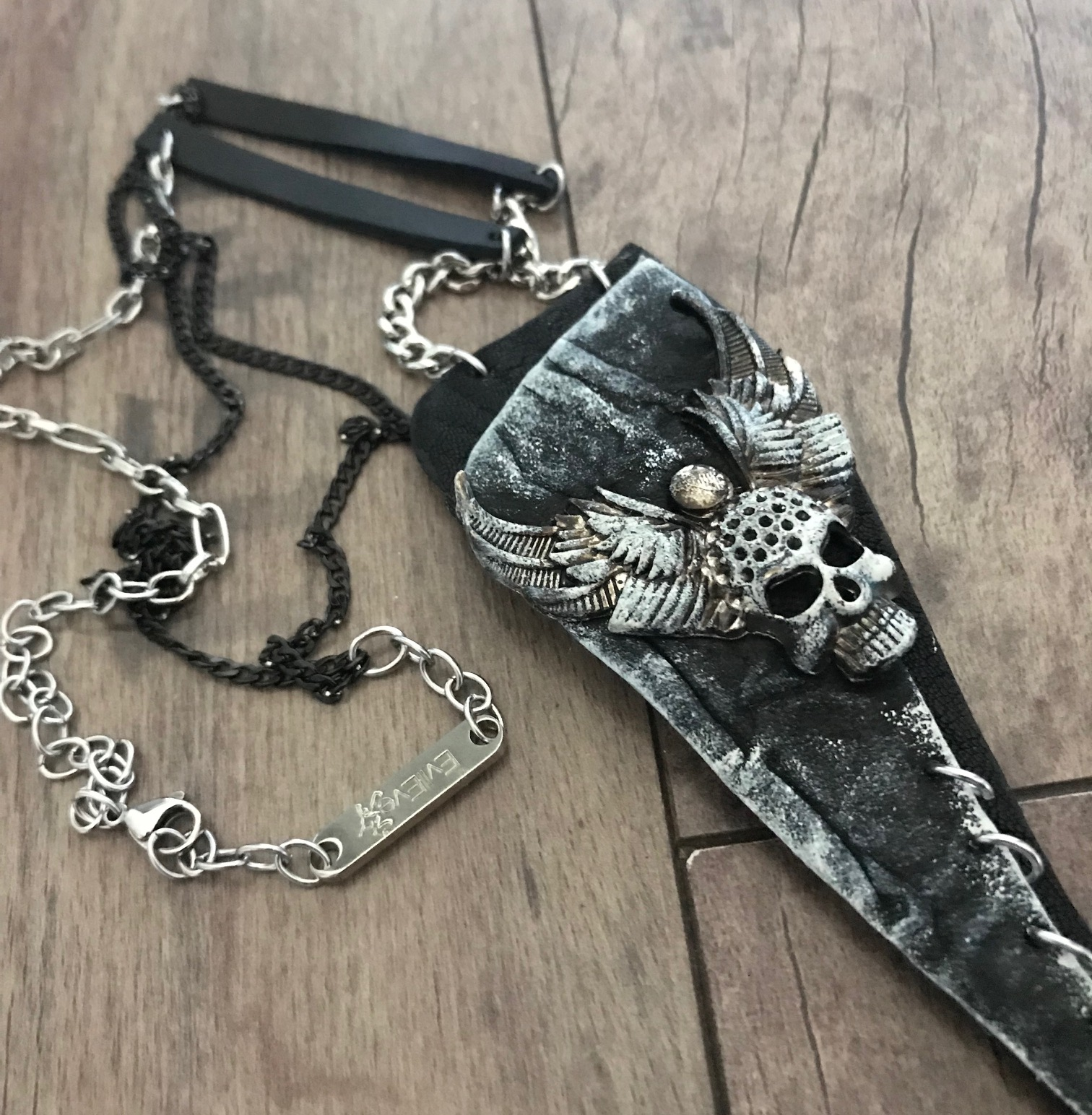 black rockstar skull unisex necklace evileve