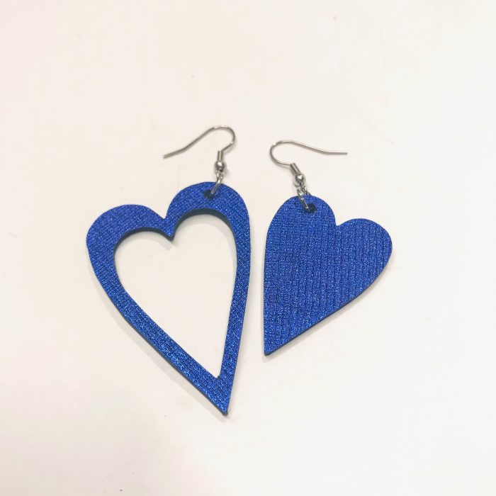 unique handmade leather and staineless steel earrings hearts blue evileve