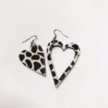 unique handmade leather and staniless steel earrings black and white cavallino evileve