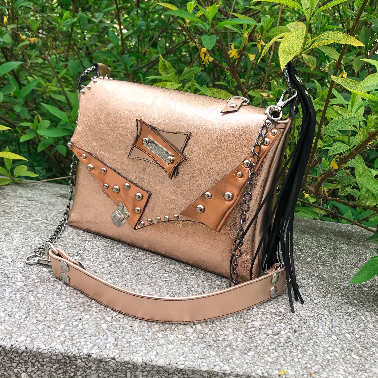 unique handmade leather messenger bag rosegold evileve