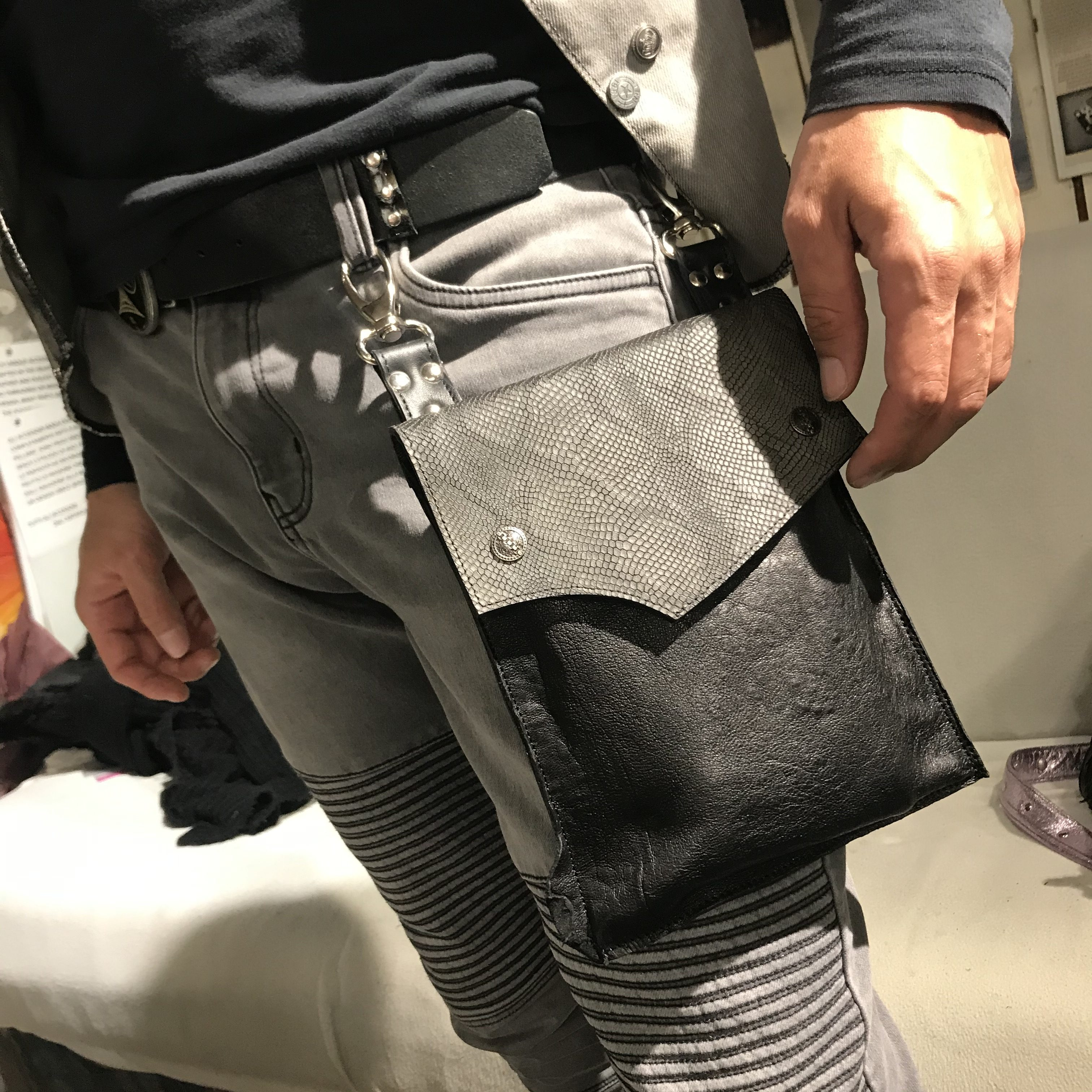 EvilEve Black Shine men hands free leather utility bag