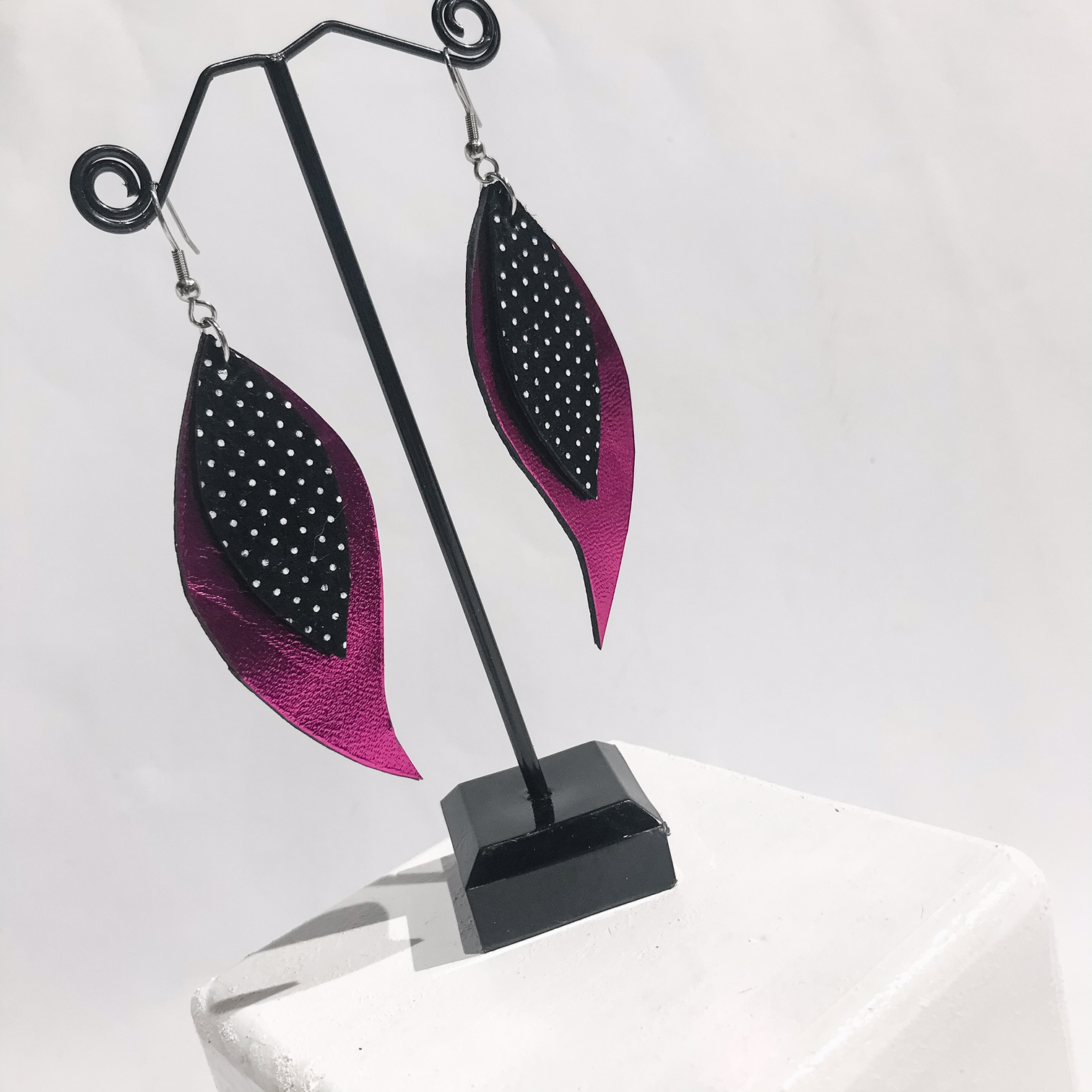 Pink Dots leaves earrings EvilEve