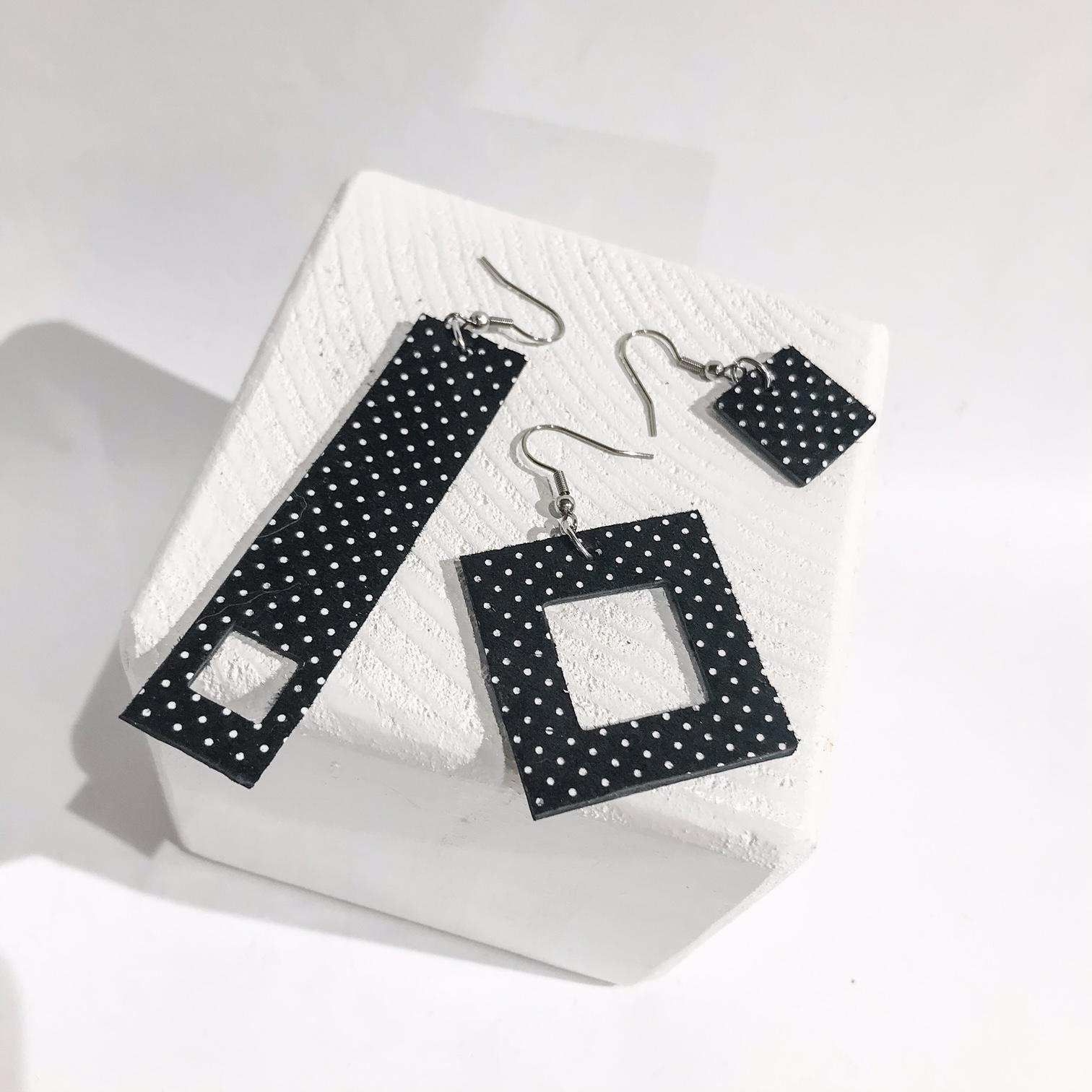 Threesome Dots drop earrings set EvilEve