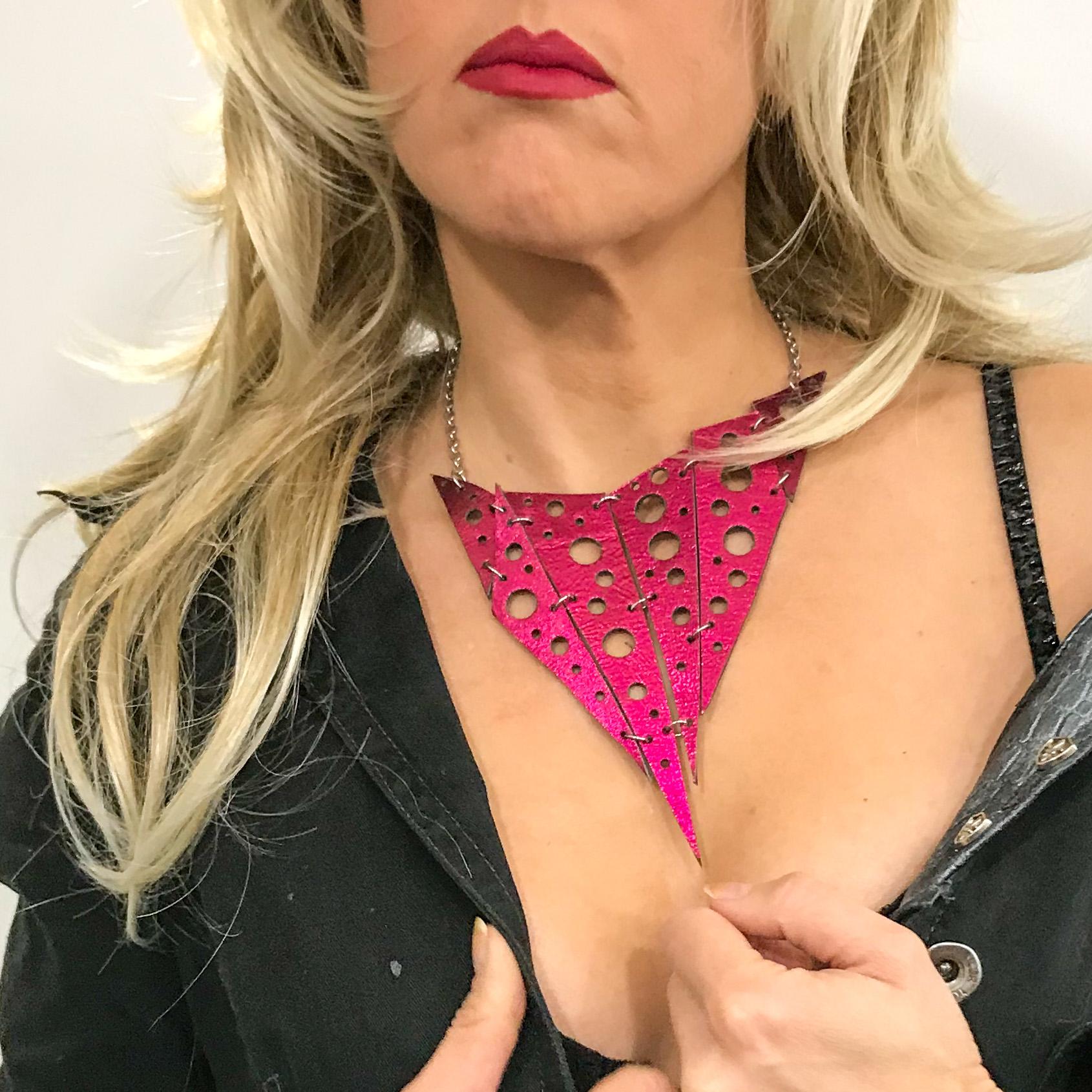 Hotpink & Black double face necklace EvilEve
