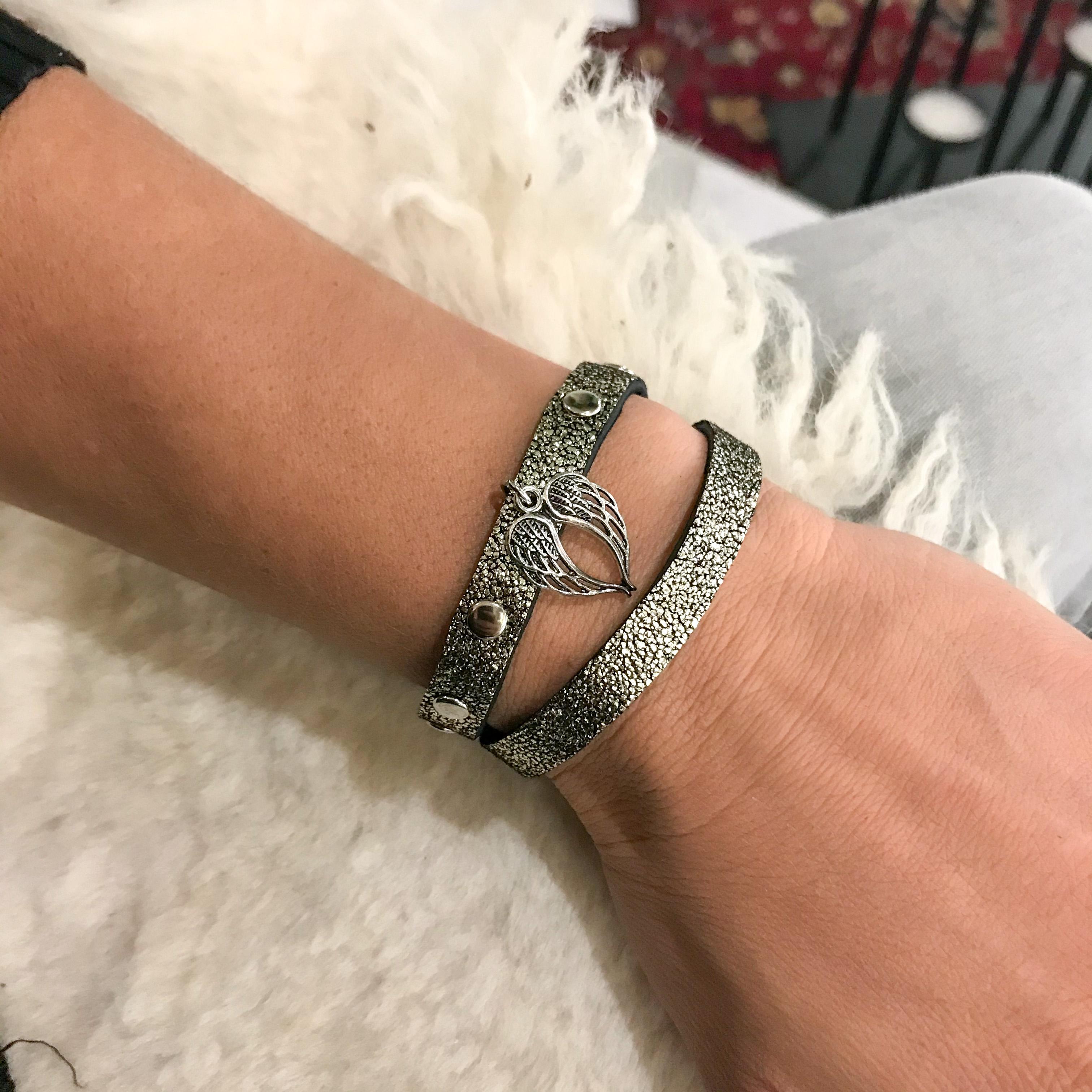 Lucky Angel sandy glitter bracelet EvilEve